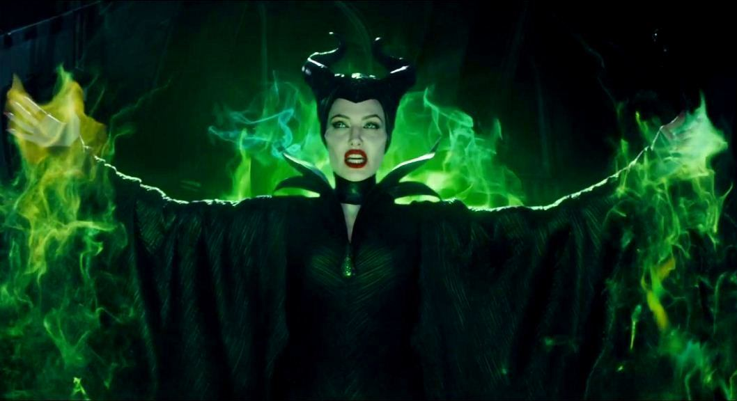 Review Maleficent Starring Angelina Jolie and Elle Fanning