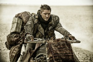 mad-max-fury-road-tom-hardy-wallpapers-mad-max-epic-road-war-at-the-heart-of-fury-road (1)