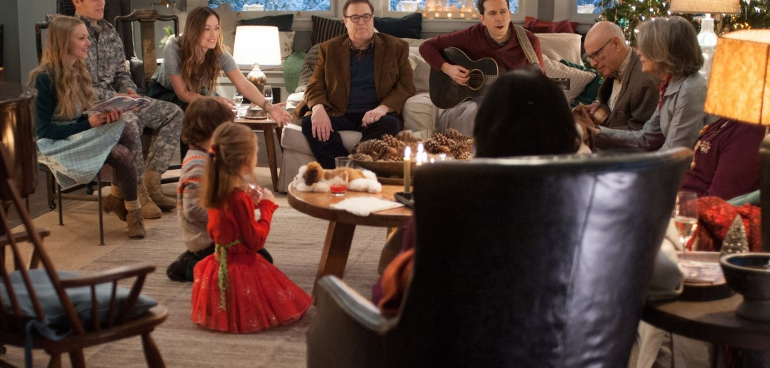 """Image from the movie """"Love the Coopers"""""""