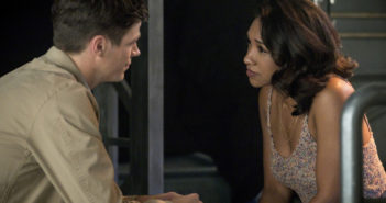 "'The Flash' 4.02 Review: ""Mixed Signals"""